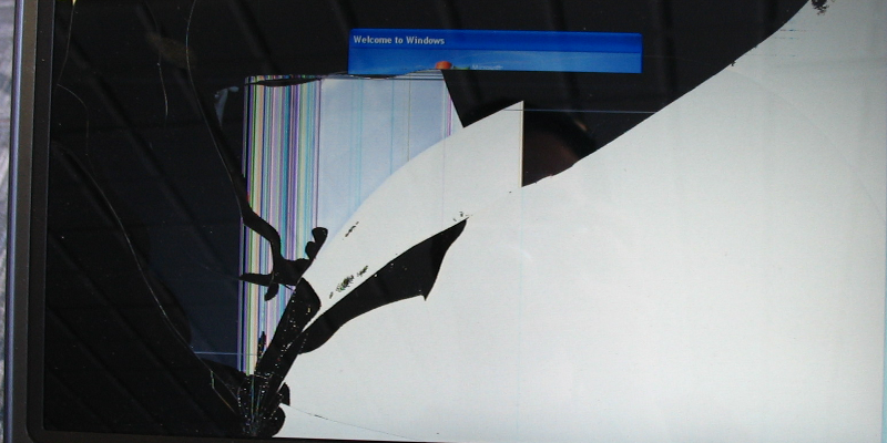 tl systems replaces broken laptop screens to make your laptop display images again